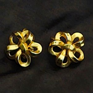 Vintage Gold Trifari Bow Clip-Back Earrings
